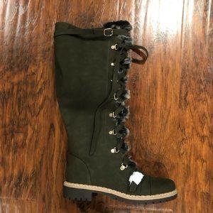 Jylan Flat Boot